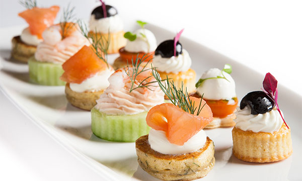 Emma and clive 39 s distinctive catering gallery for Catering canape